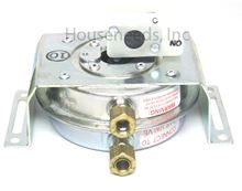 Bosch Aquastar TJ Gas Pressure Switch - For AQ1 and AQ2 - LOC 8125 - (Old Number was 950-2081) 7738001021 - Non-returnable
