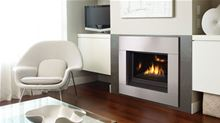 Regency Gas Fireplace Regency Contemporary Horizon HZ33CE-NG10 Small Clean Front Natural Gas or Propane Gas Direct Vent Fireplace