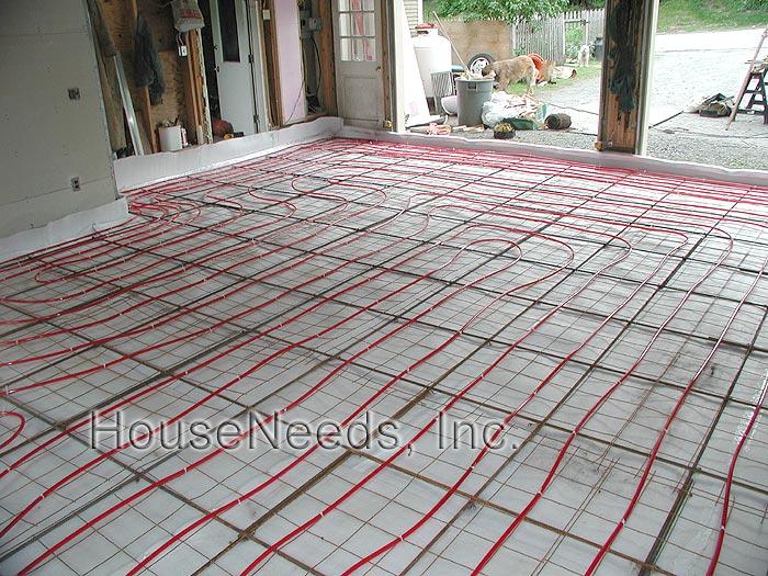 Pex radiant slab on grade pex underfloor heating system for Radiant floor layout